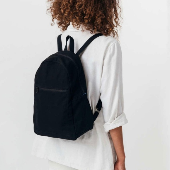 BAGGU Handbags - Baggu black zip backpack 62086634d4b6b